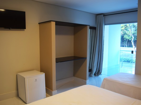 Suite com varanda de frente (2)