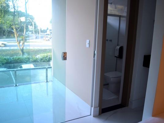 Suite com varanda de frente (4)